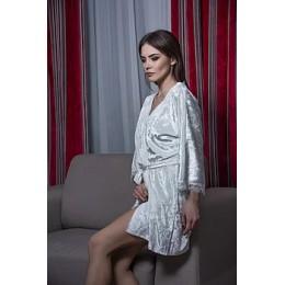 Женский велюровый халат с кружевом 048 белый